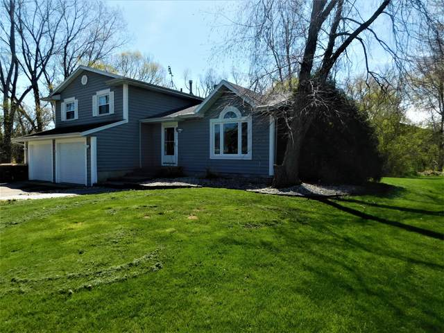 709 Kennedy Dr, Twin Lakes, WI 53181 (#1735717) :: RE/MAX Service First