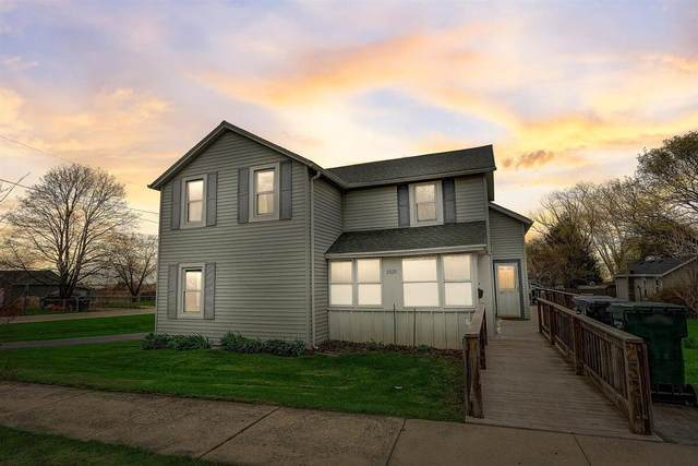 2521 Wisconsin St, Sturtevant, WI 53177 (#1735718) :: Tom Didier Real Estate Team
