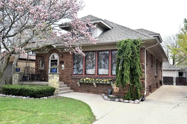 2921 Lasalle St, Racine, WI 53402 (#1735745) :: Tom Didier Real Estate Team