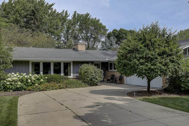 458 W Ellsworth Ln, Bayside, WI 53217 (#1735779) :: OneTrust Real Estate