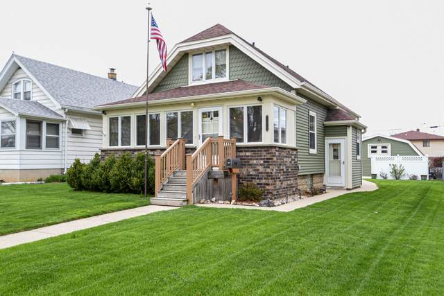 1214 S 85th St, West Allis, WI 53214 (#1736061) :: RE/MAX Service First