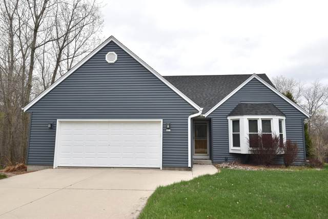 431 9th Ave, Grafton, WI 53024 (#1736229) :: Tom Didier Real Estate Team