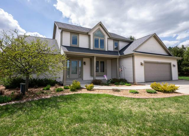 S94W12557 Cottontail Ct, Muskego, WI 53150 (#1736386) :: RE/MAX Service First