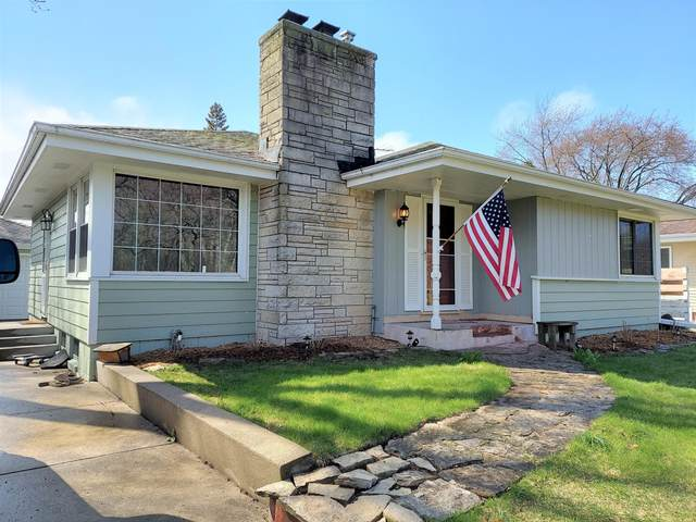 6027 S Lake Dr, Cudahy, WI 53110 (#1736394) :: OneTrust Real Estate