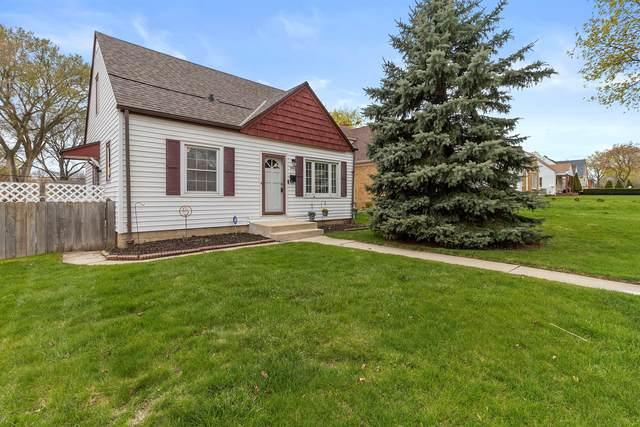 2837 N 86th St, Milwaukee, WI 53222 (#1736457) :: Tom Didier Real Estate Team