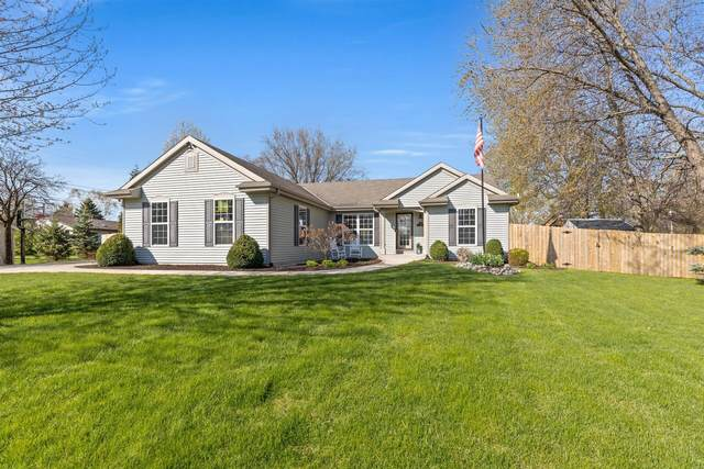 4809 S Fairview Dr, New Berlin, WI 53146 (#1736644) :: Tom Didier Real Estate Team