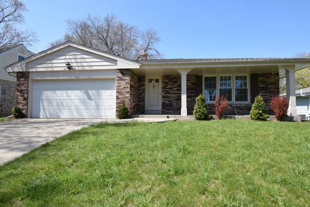 2525 N 115th St, Wauwatosa, WI 53226 (#1736728) :: RE/MAX Service First