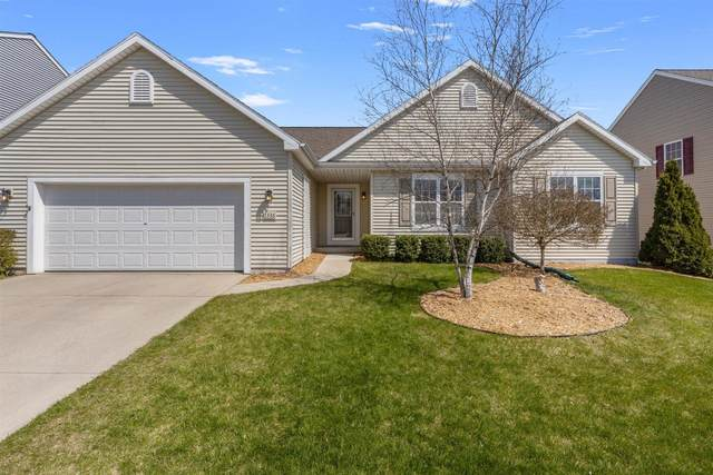 1336 Dovetail Dr, Hartford, WI 53027 (#1737146) :: RE/MAX Service First