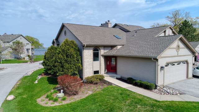 N24W30415 Crystal Springs Dr #5, Delafield, WI 53072 (#1737300) :: RE/MAX Service First