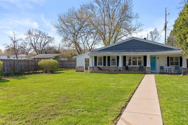 11717 W Watertown Plank Rd, Wauwatosa, WI 53226 (#1737309) :: RE/MAX Service First