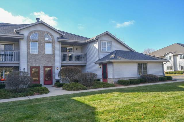 1061 Quinlan Dr B, Pewaukee, WI 53072 (#1737343) :: EXIT Realty XL