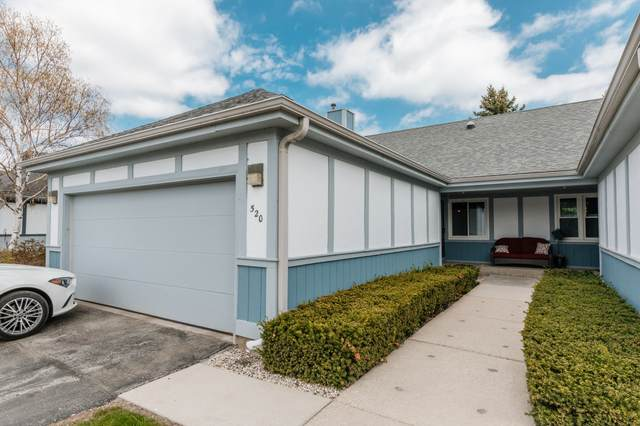 520 W Cumberland Ct, Bayside, WI 53217 (#1737558) :: RE/MAX Service First
