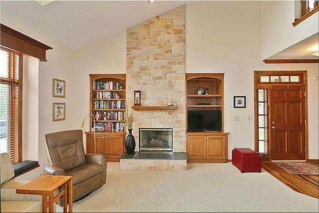 3414 Turnberry Oak Dr, Waukesha, WI 53188 (#1737694) :: RE/MAX Service First
