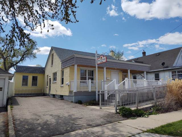 217 E Jefferson St, Burlington, WI 53105 (#1738043) :: Keller Williams Realty - Milwaukee Southwest
