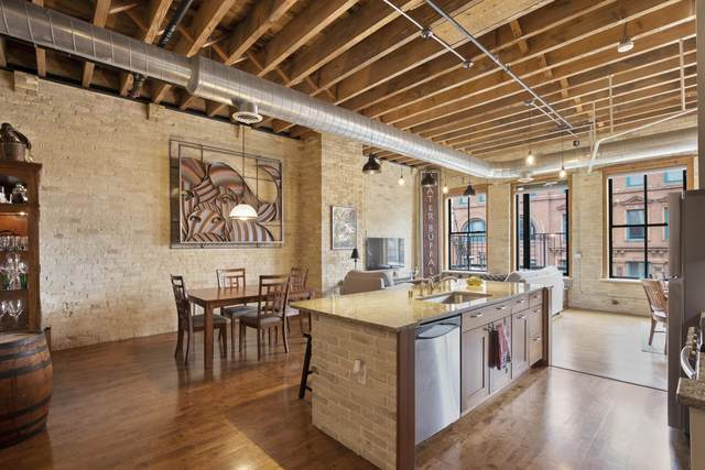 205 N Water St #406, Milwaukee, WI 53202 (#1738097) :: RE/MAX Service First