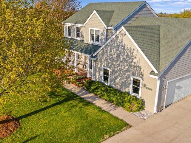 W361S2367 Scuppernong Dr, Ottawa, WI 53118 (#1738106) :: RE/MAX Service First