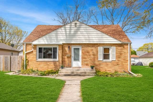 5245 N 26th St, Glendale, WI 53209 (#1738134) :: RE/MAX Service First