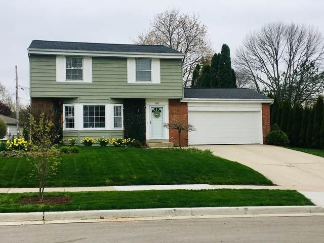 1627 Cedar St, Grafton, WI 53024 (#1738139) :: Tom Didier Real Estate Team
