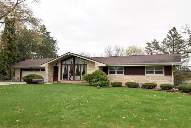 816 Maple Way N, Waukesha, WI 53188 (#1738191) :: RE/MAX Service First