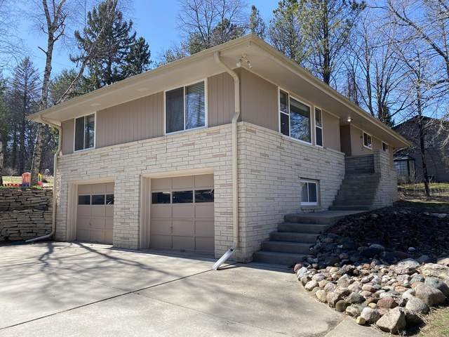 W125 Oosty Ave, Ixonia, WI 53066 (#1738253) :: RE/MAX Service First
