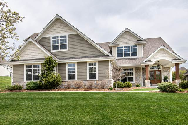1130 Colonial Dr, Hartland, WI 53029 (#1738269) :: Keller Williams Realty - Milwaukee Southwest