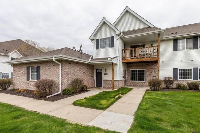 4740 S Forest Point Blvd #4, New Berlin, WI 53151 (#1738439) :: RE/MAX Service First