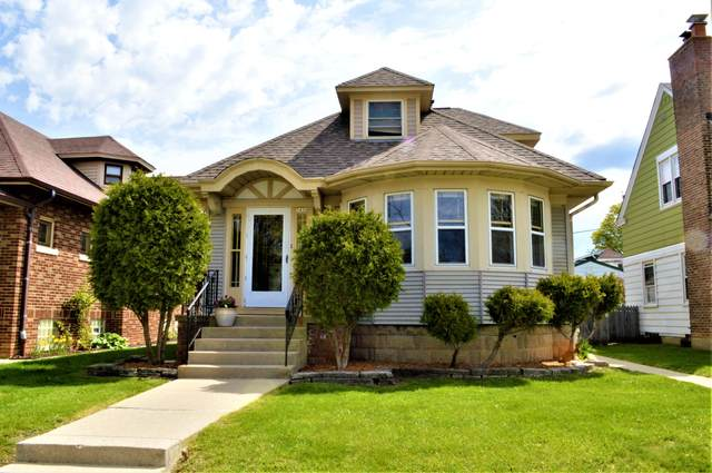 3426 S 11th St, Milwaukee, WI 53215 (#1738498) :: RE/MAX Service First