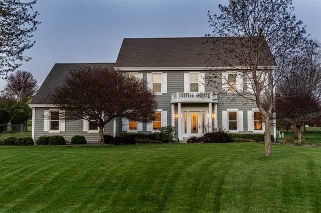 487 River Bluff Cir, Oconomowoc, WI 53066 (#1738652) :: OneTrust Real Estate