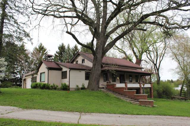 1743 Wisconsin Ave, Grafton, WI 53024 (#1738747) :: RE/MAX Service First