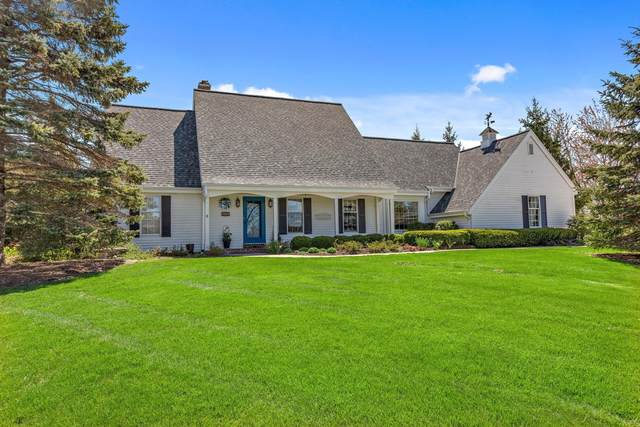 4305 W River Willows Ct, Mequon, WI 53092 (#1738824) :: Keller Williams Realty - Milwaukee Southwest