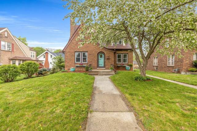 224 W Crawford Ave, Milwaukee, WI 53207 (#1738923) :: RE/MAX Service First