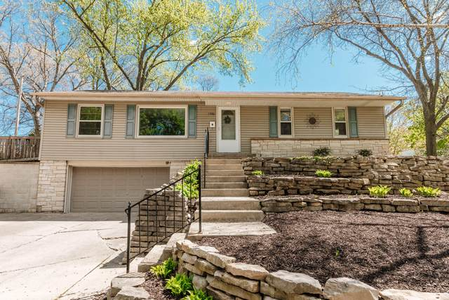 1906 N 69th St, Wauwatosa, WI 53213 (#1738992) :: RE/MAX Service First