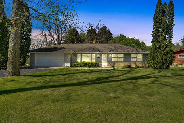 1303 Main St, Delafield, WI 53018 (#1738994) :: RE/MAX Service First
