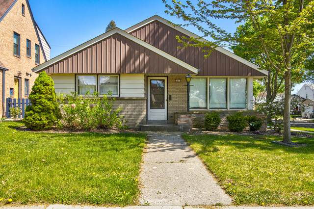 2800 N Hartung Ave, Milwaukee, WI 53210 (#1739002) :: RE/MAX Service First