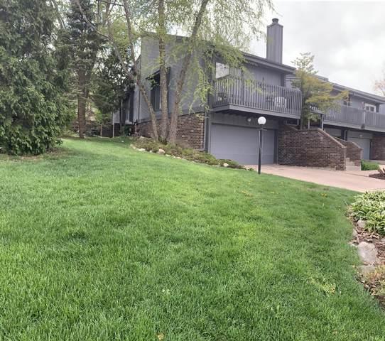 810 Kendall Ln, Lake Geneva, WI 53147 (#1739105) :: Keller Williams Realty - Milwaukee Southwest