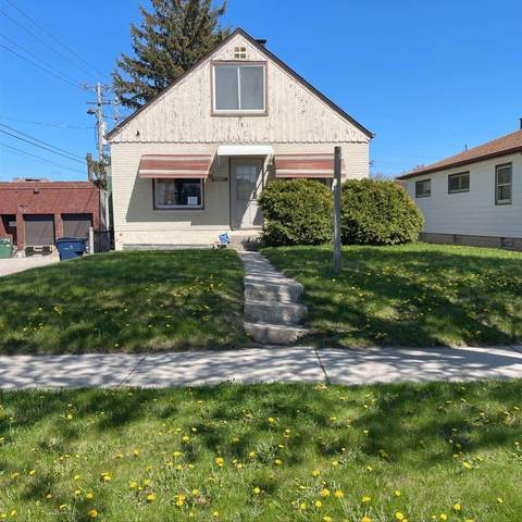 3954 N 79th St, Milwaukee, WI 53222 (#1739110) :: RE/MAX Service First