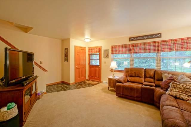 449 W Wisconsin Ave #8, Oconomowoc, WI 53066 (#1739143) :: RE/MAX Service First