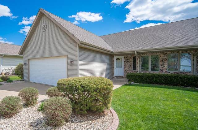 1027 Firethorn Dr, West Bend, WI 53090 (#1739222) :: OneTrust Real Estate