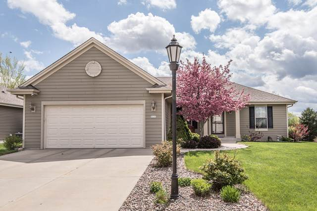 3111 Tanglewood Dr, Waukesha, WI 53189 (#1739271) :: RE/MAX Service First
