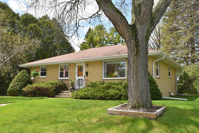 903 1st Ave, Grafton, WI 53024 (#1739353) :: Keller Williams Realty - Milwaukee Southwest