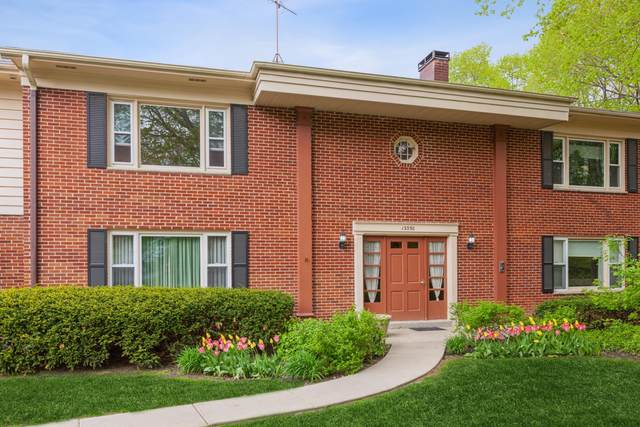 13350 W Bluemound Rd #3, Elm Grove, WI 53122 (#1739450) :: Keller Williams Realty - Milwaukee Southwest