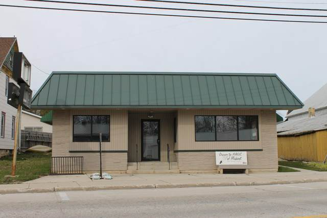 219 E Main St, Mishicot, WI 54228 (#1739526) :: RE/MAX Service First
