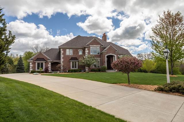 W286N3284 Woodgate Ct, Delafield, WI 53029 (#1739537) :: RE/MAX Service First