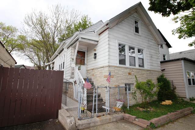1348 W Windlake Ave, Milwaukee, WI 53215 (#1739547) :: RE/MAX Service First