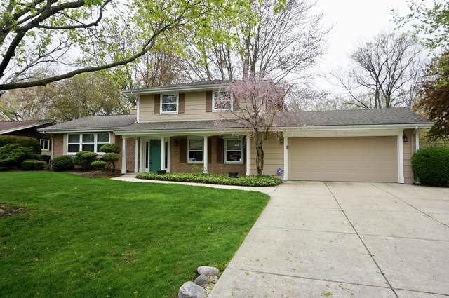 8541 N Pelham Pkwy, Bayside, WI 53217 (#1739550) :: RE/MAX Service First
