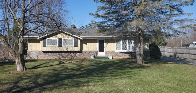 10033 N Meadow Ln, Mequon, WI 53092 (#1739688) :: Keller Williams Realty - Milwaukee Southwest