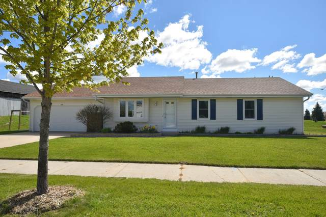 215 Sheridan Dr, West Bend, WI 53095 (#1739744) :: EXIT Realty XL