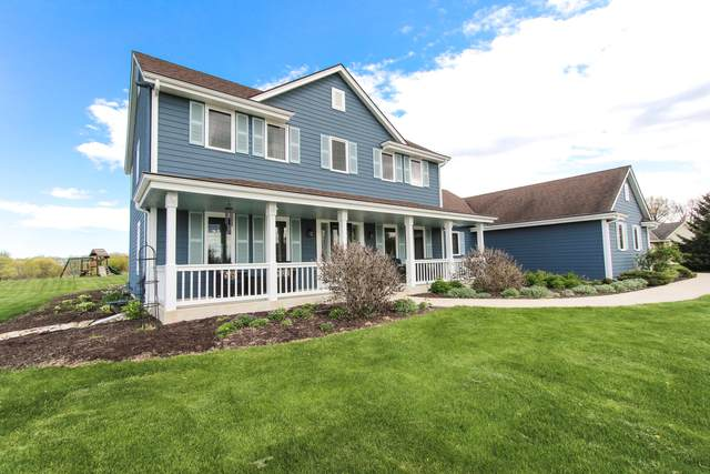 2342 Scenic Hill Trail, Richfield, WI 53076 (#1739858) :: EXIT Realty XL