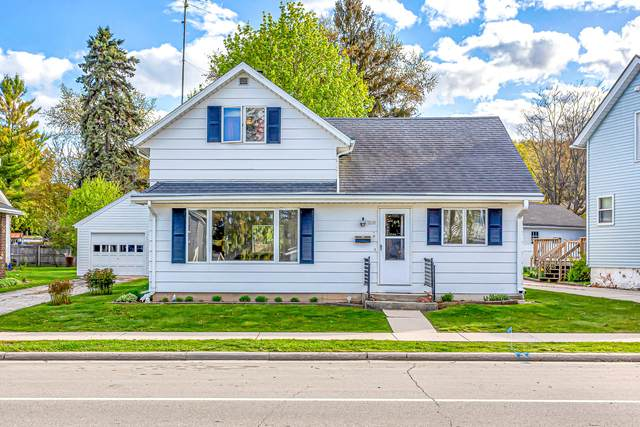 315 Western Ave, Plymouth, WI 53073 (#1740032) :: Tom Didier Real Estate Team