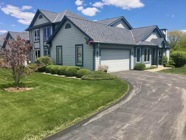 913 Bay View Cir, Mukwonago, WI 53149 (#1740096) :: Tom Didier Real Estate Team